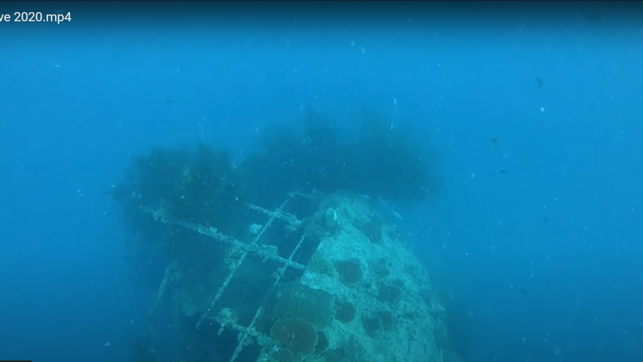 Maldives - Relitto di una nave - ship wreck - intotheblue.it